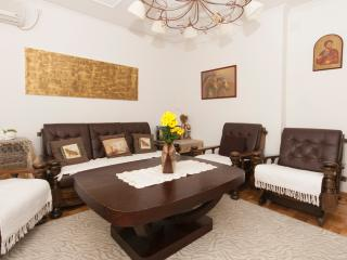 Arena Royal Suite, 2 bdrs, sleeps 6, free parking, Belgrade