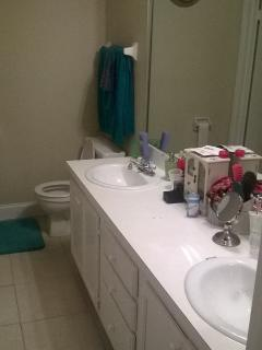 Full bathroom upsatairs