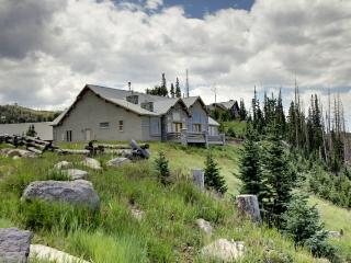 Skyview Chalet - amazing views, Brian Head
