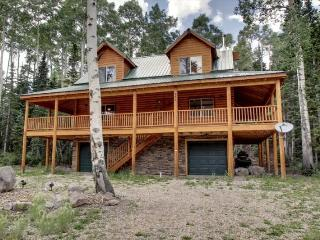 Whispering Pines Lodge - Beautiful cabin and surrounded by trees, Brian Head