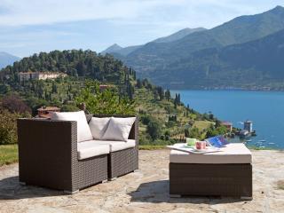 Mezzegra Villa Sleeps 7 with Air Con and WiFi - 5476756