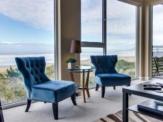 Seaside, dog-friendly condo with ocean views!, Rockaway Beach