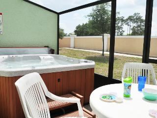 ⭐SPECIAL DEAL⭐Private Hot Tub/ Wii/ Game Room/ BABY-Friendly/ 10 min to Disney!