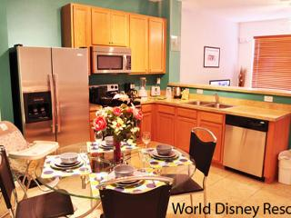 2 Miles To Disney - Crestwynd 3 Bedroom Town Home, Kissimmee