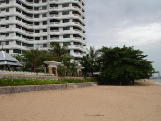 Beach Front Holiday Apartment, Pattaya