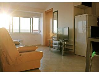 Sea view two bedroom apartment with balcony-Dirsi, Okrug Gornji
