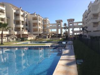 Appartement idéal pour vacances au soleil, piscine, Roquetas de Mar