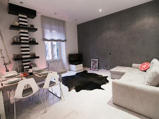 Design Apartment near Colosseum, Rome