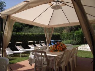 Elegante casa di campagna con piscina privata., Montecarlo