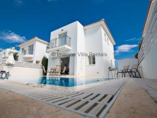 Villa Samia, 3 beds with pool and Free WiFi, Protaras