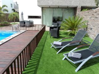 Luxury villa with private heated pool El Duque are, Santa Cruz de Tenerife