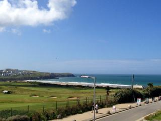 3 bed 1st floor with direct golf course/sea views