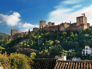 Facing the Alhambra, Granada