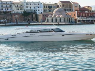 Aggelos Speedboat, La ciudad de Rodas