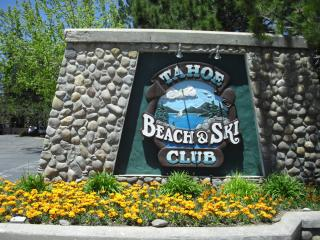 Lakefront suites minutes from Heavenly, casinos, South Lake Tahoe