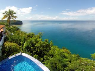 Emerald Hill Villa - 270° View of the Bay & Ocean, Marigot Bay