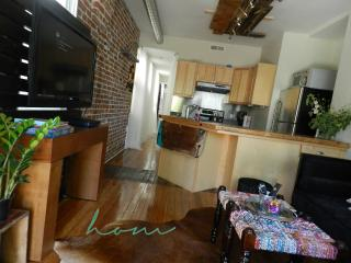 Baker Rowhome Near Lightrail and Downtown Denver!
