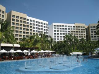 Beautiful and Exciting Grand Mayan 1- or 2-Bedrm Suites, Nuevo Vallarta