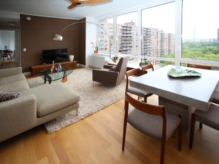 The Whant Collection - Luxury 2Bed/2.5Bath Apt with Central Park View!, New York City