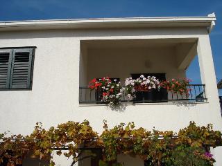 Apartments - Damir 1 Vinišće, Vinisce