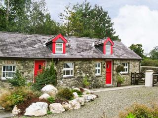 THE COACH HOUSE, pet-friendly, country holiday cottage, with a garden in Llandysul, Ref. 919594, New Quay