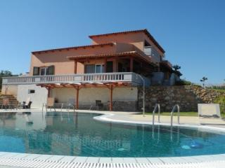Melissa Luxury Villa Suites with pool and sea view, Almyrida