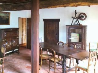 La Longère - Impressive cottage with garden, Confolens