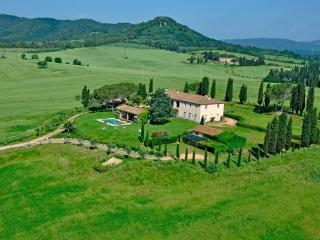Luxury Villa for 8 people, pool, full staff, Vigna, Gavorrano
