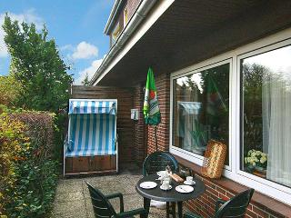 Flat with patio, close to it all, Sylt