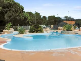 Cute bungalow with air cond, Frejus