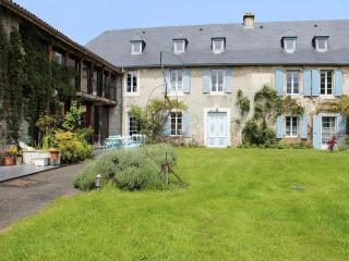 Luxury house with mountain views, La Barthe-de-Neste