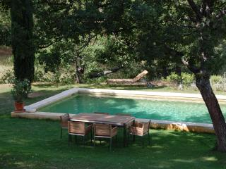 Beautiful, rustic house with pool, in the Luberon, Ansouis