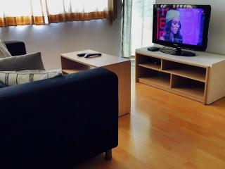 Free FAST WiFi/1 BDRM/ 5 Min.Walk to BTS/ Shopping, Bangkok