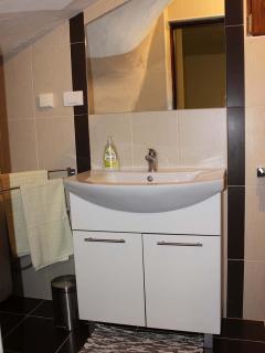 Holiday home Ema - bathroom