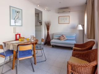 KEVIN: Sea Views -WIFI-Nice Terrace!, Sitges