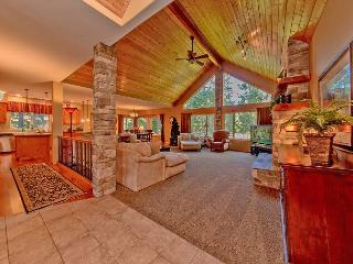 Luxury Vacation Home near the Lake!  5BR|Slps 16|Hot Tub|WiFi|Free NIGHTS!!