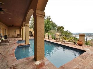 5BR/4BA Incredible House with Pool, Sweeping Lake Travis Views, Sleeps 14, Lakeway