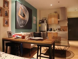 Stylish studio in Knightsbridge Century City Makat