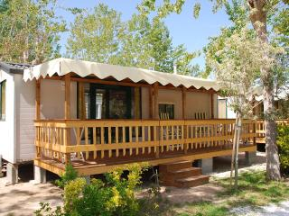 Camping Bosco Verde, Tuscany. 2 BEDROOMS, SLEEPS 6 IN TORRE DEL LAGO