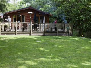 FOOTPRINTS LODGE (Hot Tub) White Cross Bay, Windermere, Bowness-on-Windermere