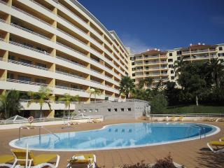 Green Park III Luxury Apartment Funchal-In Secure Complex - Balcony &Pool