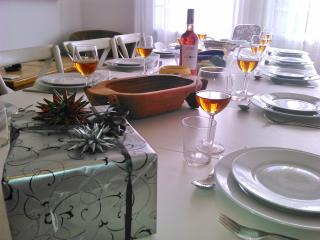 Parties, elegant dinners and quick snacks we have the necessary tableware