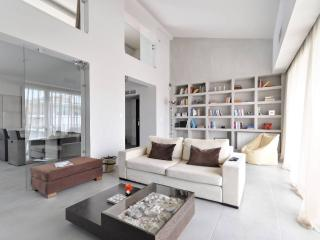 An Executive Loft in Voula - Athens