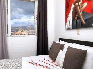 A Luxury Apt with Panoramic View, Atenas