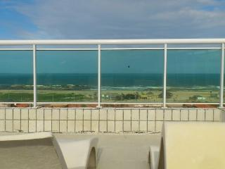 Beautiful 5-bedroom with ocean view, Fortaleza