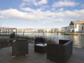 Alfresco dinning on your private terrace area overlooking the lake