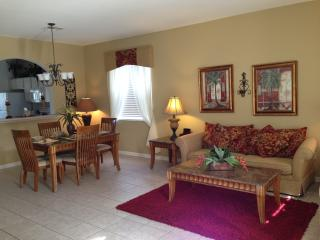 Family Friendly Luxury Home - Great Rates, Kissimmee