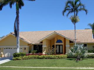 OSPREY COURT - Direct Gulf Access, Walk to the Beach !!, Marco Island