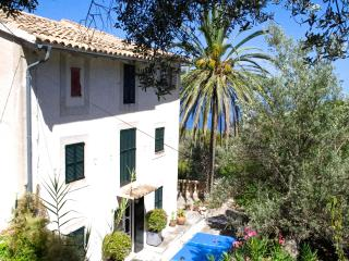 Lovely house with views, garden and a pool, Deià