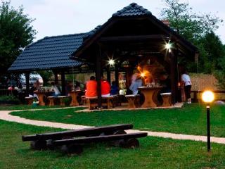 Etno Garden 61 - Comfort Apartment, Plitvica